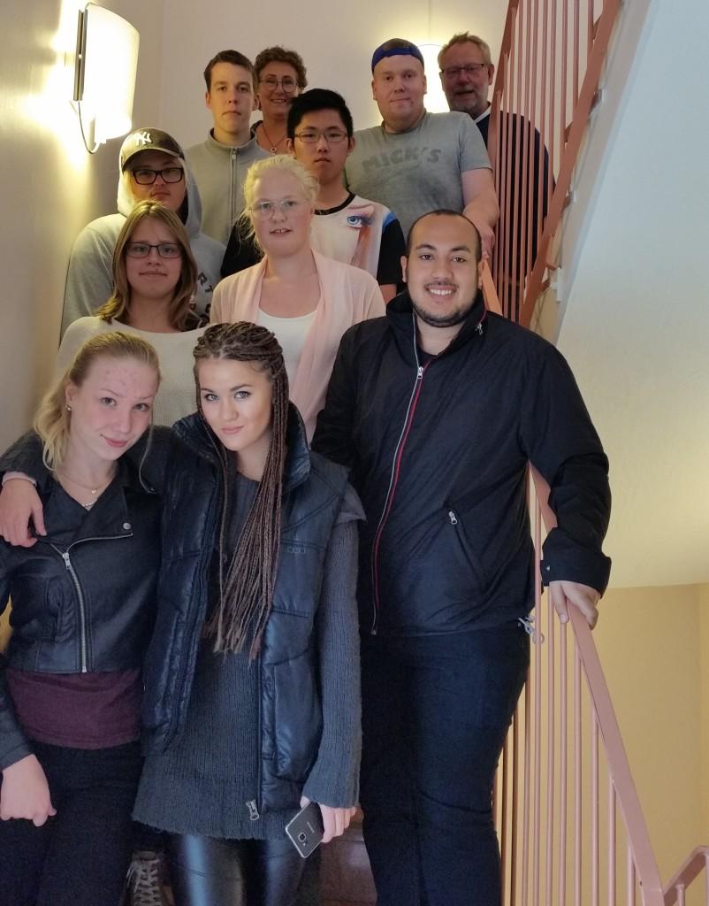 Nio ungdomar och två handledare som snart åker till Italien